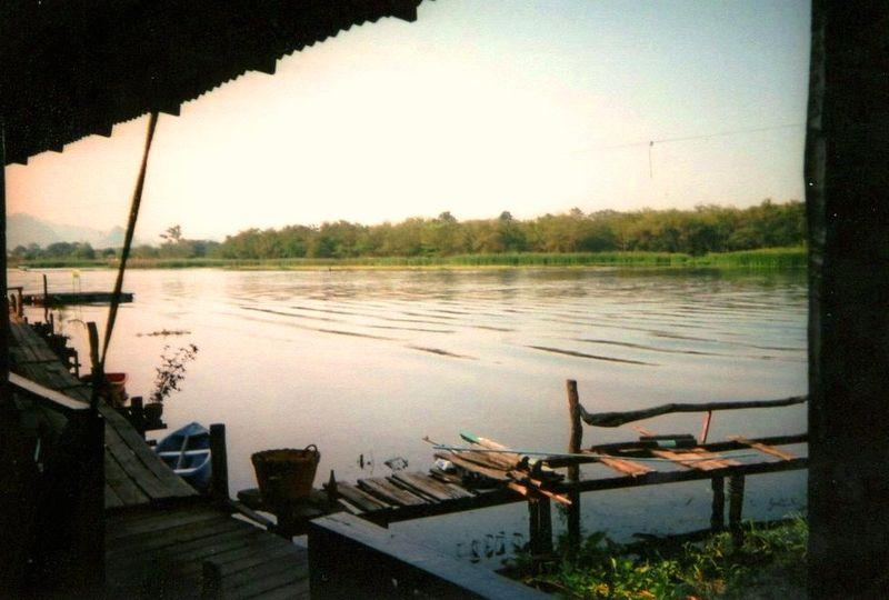 Kanchanaburi River Guest House
