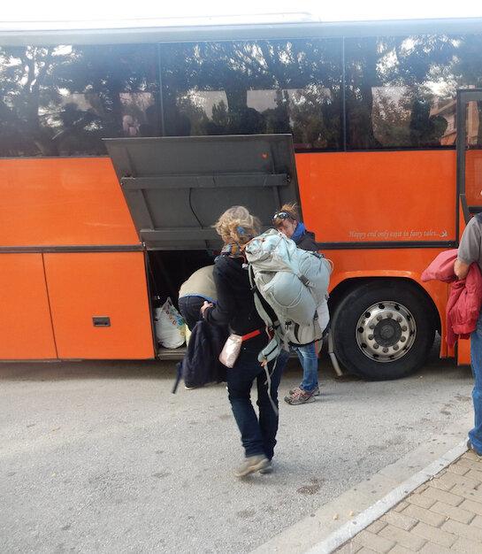 Le bus Ktel part de Lavrio pour l'aéroport d'Athènes 121116