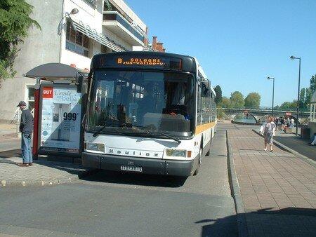 gx_107_bus_valee_121_B_sologne