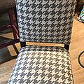 Une basse-cour dans une chaise!!