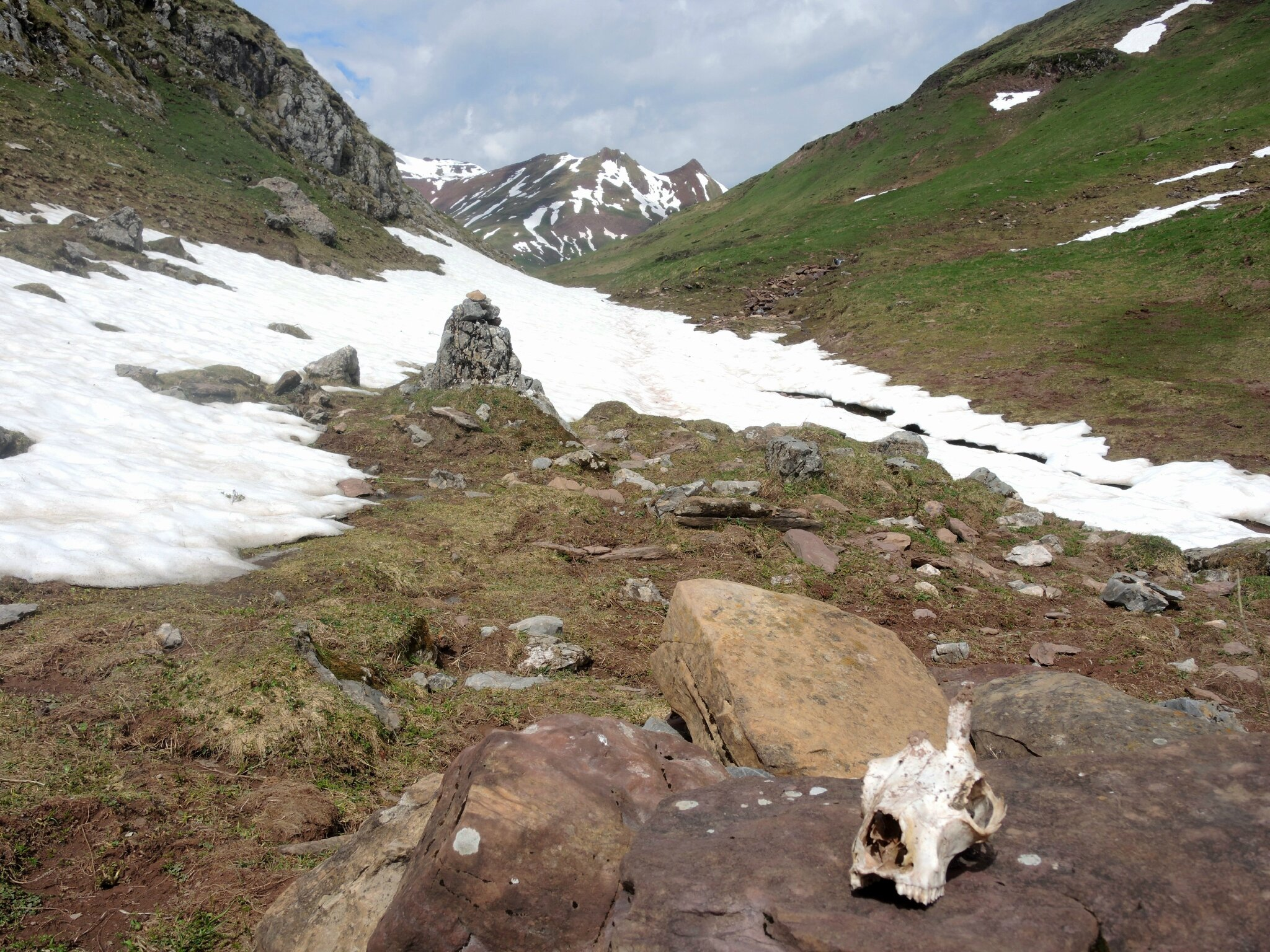 Aguas Tuertas, vallon enneigé et squelette (Espagne)