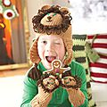 http://canada.michaels.com/Chapeau-et-mitaines-Lion-Impeccable-de-Loops-Threads-%28crochet%29/C_34934,fr_CA,pd.html?cgid=projects-yarnandneedlecrafts-allcrochet