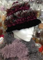 Bonnet prune et gris